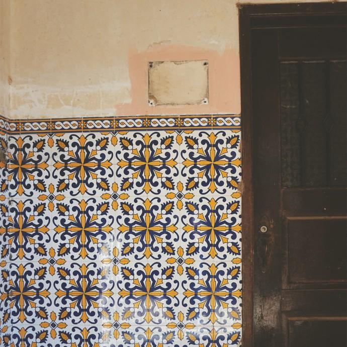 Valenca tiled doorway