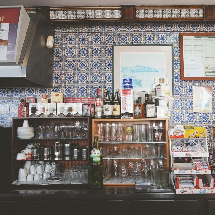 Traditional tiled bar Porto